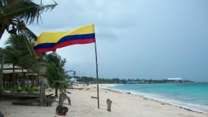 la-bandera-colombiana-en-las-playas-de-san-luis-3