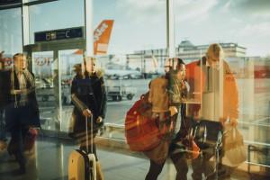 maletas de viaje en el aeropuerto